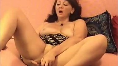 Orgasm Silvia 52 years on home webcam