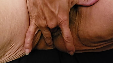 Old hairy pussy masterbating