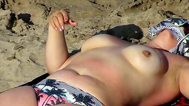 Spy Beach Mature BBW with saggy huge Tits Nipples Areola