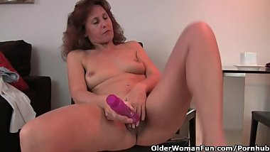 Granny In Lust Fucks Her Hairy And Swollen Pussy With A Dildo