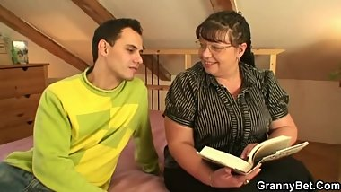 Bookworm bitch gets her fat snatch pounded