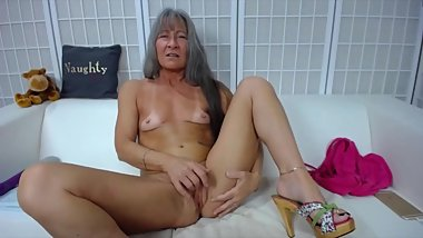 Granny Leilani with big ass talk fucks creamy cunt