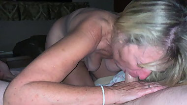Saggy tits granny gives blowjob