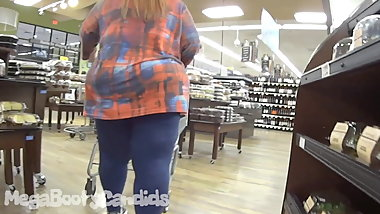 THICK GRANNY PAWG BOOTY