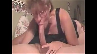 Hot grandma giving a deepthroat to a big cock and get cum in mouth