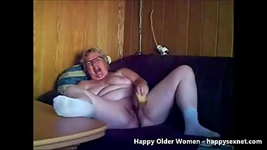 Horny exhibitionist granny. Amateur older