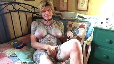 Naked tattooed big tits granny sniffing poppers