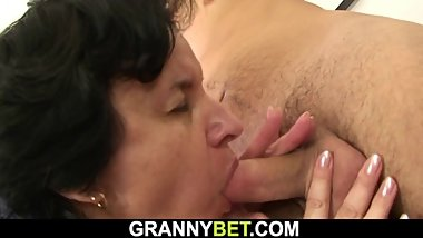 Hairy granny tourist picked up for young cock riding
