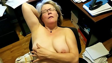 Homemade video of a very depraved mom Heather