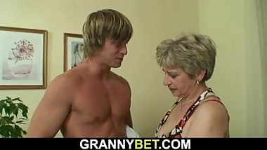 Old granny gets doggy-fucked by a totally stranger