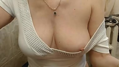 cam old granny nipple show tits bouncing lady stunning
