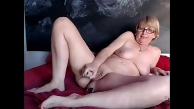 SpicyHoneyMilf secret cam show filming hot granny with toys