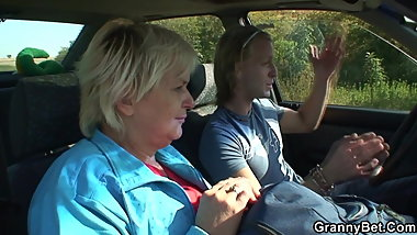 Hitchhiking blonde granny picked up and doggy-fucked roadsid