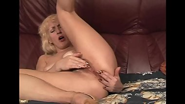 Russian fucking mommy Viki, 61 y.o.