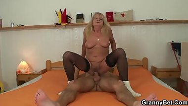 Granny Bet - Dirty business for business lady - Debi Novakova