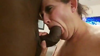 Mature Whitw woman Loves Young Boys. Nympho Mature