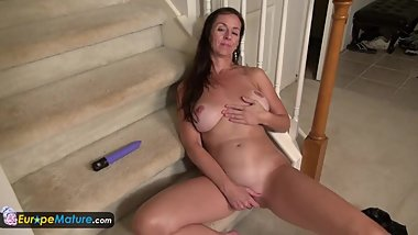 EuropeMature Rose is playing on stairs with vibrator