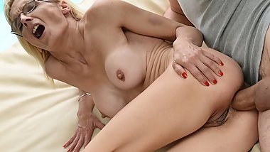Big dick filled GILF asshole!
