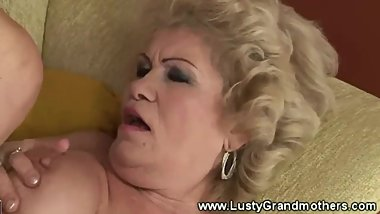 Mature hairy granny pussy pounded from lucky guy
