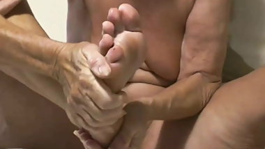 Beautiful granny feet with sexy toes and bunions