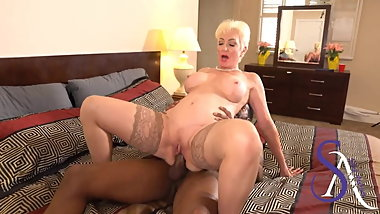 Blonde Granny calls BBC lover to Creampie Day Time