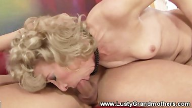 GILF in stocking moans during plowing