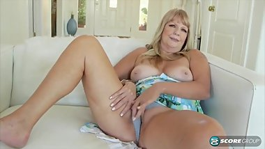 Mature granny 60 years old masturbating for you