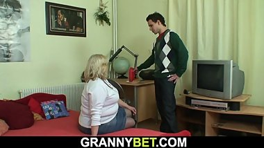 Picked up huge old grandma rides his horny cock