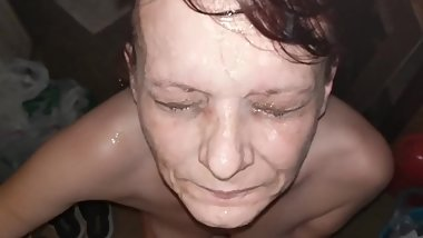 Thrashy Granny Whore gets massive facial