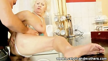 Fat mature granny riding dick with her old pussy